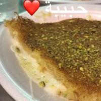 Photo taken at كنافة حبيبه by Fawaz A. on 11/16/2017