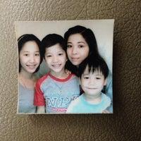 Photo taken at โรงแรมบ้านน้องก้อง Gongz Jr. Hotel by ภูบดี เ. on 10/20/2013