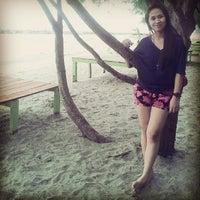 Photo taken at Hamadi beach by nhyanyle on 8/9/2013