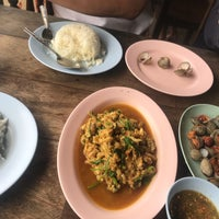 Photo taken at ริมเขื่อน (Rim Khuean Restaurant) by soda on 12/5/2017