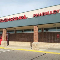 Photo taken at Walgreens by Yvette B. on 10/21/2012