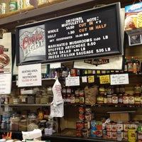 2/19/2013에 Desmond님이 Central Grocery Co.에서 찍은 사진