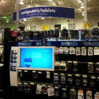 Photo taken at Best Buy by Gabrielle H. on 12/23/2012