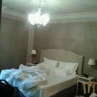 Foto scattata a Hotel Ambasciatori Palace da Елена А. il 6/15/2013
