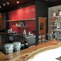Photo prise au Houndstooth Coffee par LIONEL F. le4/2/2013