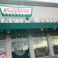 Photo taken at Krispy Kreme Doughnuts by Chadwick on 12/9/2012