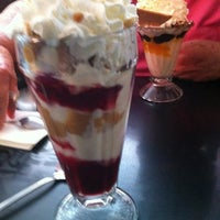 Photo taken at Laubers Old Fashion Ice Cream Palor by Maureen on 9/15/2012