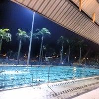 Foto tirada no(a) Clementi Swimming Complex por Amos L. em 3/24/2014