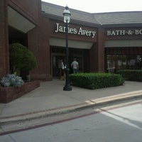 Photo taken at James Avery Artisan Jewelry by Corina H. on 10/24/2012