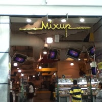 Foto tomada en Mixup por Alex G. el 10/26/2012