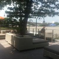 10/19/2012 tarihinde Nazli Ü.ziyaretçi tarafından Riva Surya Bangkok'de çekilen fotoğraf