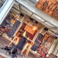 5/1/2017 tarihinde Bilbo Cafe B.ziyaretçi tarafından Bilbo Cafe & Bistro'de çekilen fotoğraf
