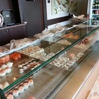 Foto scattata a Irori - Sushi At Home da Idros il 7/17/2013