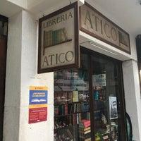 Foto tomada en Librería El Ático por David K. el 10/28/2017