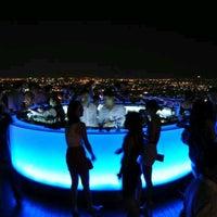 Foto scattata a Sky Bar da Fha J. il 11/23/2012
