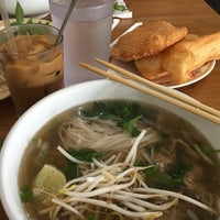 Photo taken at Pho Hong Phat by Veronica H. on 9/1/2017
