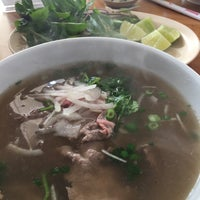 Photo taken at Pho Hong Phat by Veronica H. on 10/13/2017