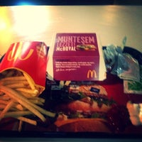 5/29/2013 tarihinde Cihan K.ziyaretçi tarafından McDonald's'de çekilen fotoğraf