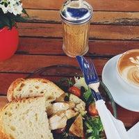 Das Foto wurde bei cafecafe von Herr Schlauschlau am 4/17/2014 aufgenommen