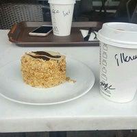 1/25/2017 tarihinde Mev_ K.ziyaretçi tarafından Starbucks'de çekilen fotoğraf