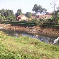 Photo taken at Dam Bendungan Sungai Citarik Majalaya by Jana A. on 8/27/2013