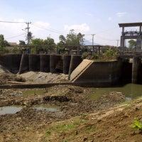 Photo taken at Dam Bendungan Sungai Citarik Majalaya by Jana A. on 8/7/2015