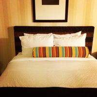 Foto diambil di DoubleTree by Hilton Hotel Portland - Beaverton oleh Takahiro I. pada 4/15/2013