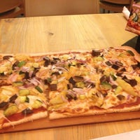 Photo taken at Pizza Fusion by Bo on 10/27/2012