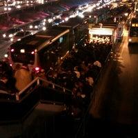 12/27/2012 tarihinde Onur Ç.ziyaretçi tarafından Cevizlibağ Metrobüs Durağı'de çekilen fotoğraf