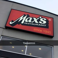 Photo taken at Max's Restaurant by Teph ♡ on 11/20/2016