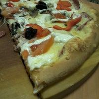 Снимок сделан в Пиццерия Милано пользователем Lisa L. 11/18/2012