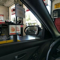 Photo taken at Valvoline Instant Oil Change by Ben J. D. on 3/15/2016
