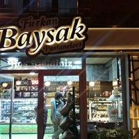 Photo taken at Baysak Pastaneleri (Patisseria) by Çiğdem Furkan B. on 9/6/2016