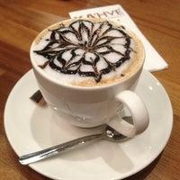 2/10/2013 tarihinde Hülya 💰💵 S.ziyaretçi tarafından KA'hve Café & Restaurant'de çekilen fotoğraf