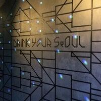 Снимок сделан в Drink Your Seoul пользователем Максим 10/18/2014