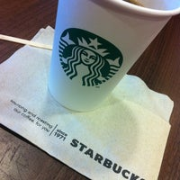 Photo taken at Starbucks by José Maria F. on 10/28/2012