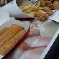 Photo taken at Burger King by D'mitri on 12/29/2012