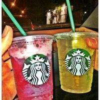 Foto tirada no(a) Starbucks por Lucas em 11/14/2012