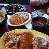 Foto tomada en Doña Maria Tamales Mexican Restaurant por Michele el 4/26/2014
