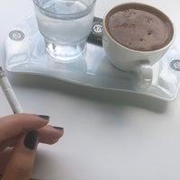 Foto tirada no(a) Kahve Durağı Şerifali por Yasemin A. em 8/3/2018