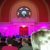 Foto tirada no(a) Sixth & I Historic Synagogue por Jeanean em 6/10/2013