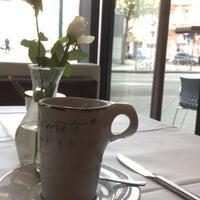 Das Foto wurde bei Café à la Carte von Ghost am 8/22/2017 aufgenommen