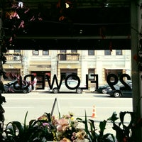 Photo taken at Espresso Holic in 29 Flowers by Jul Y. on 9/30/2016