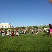 5/2/2013 tarihinde Görkem R.ziyaretçi tarafından Bilkent Mayfest Çim Alanı'de çekilen fotoğraf