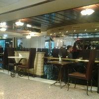 Снимок сделан в Премьер Отель Русь пользователем Eugene 10/27/2012