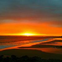 Foto tirada no(a) Praia dos Gémeos por Federica R. em 9/27/2012