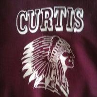 Das Foto wurde bei Curtis High School von King G. am 3/10/2013 aufgenommen