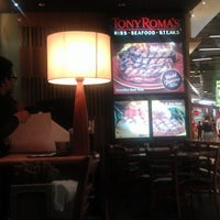 Photo taken at Tony Roma's Ribs, Seafood, & Steaks by Mohamad N. on 2/19/2013