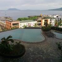 Foto tomada en Hotel Aryaduta por Fe O. el 12/17/2013