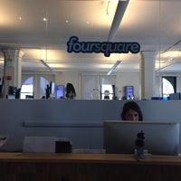 Photo prise au Foursquare HQ par Léna Le Rolland le9/5/2013